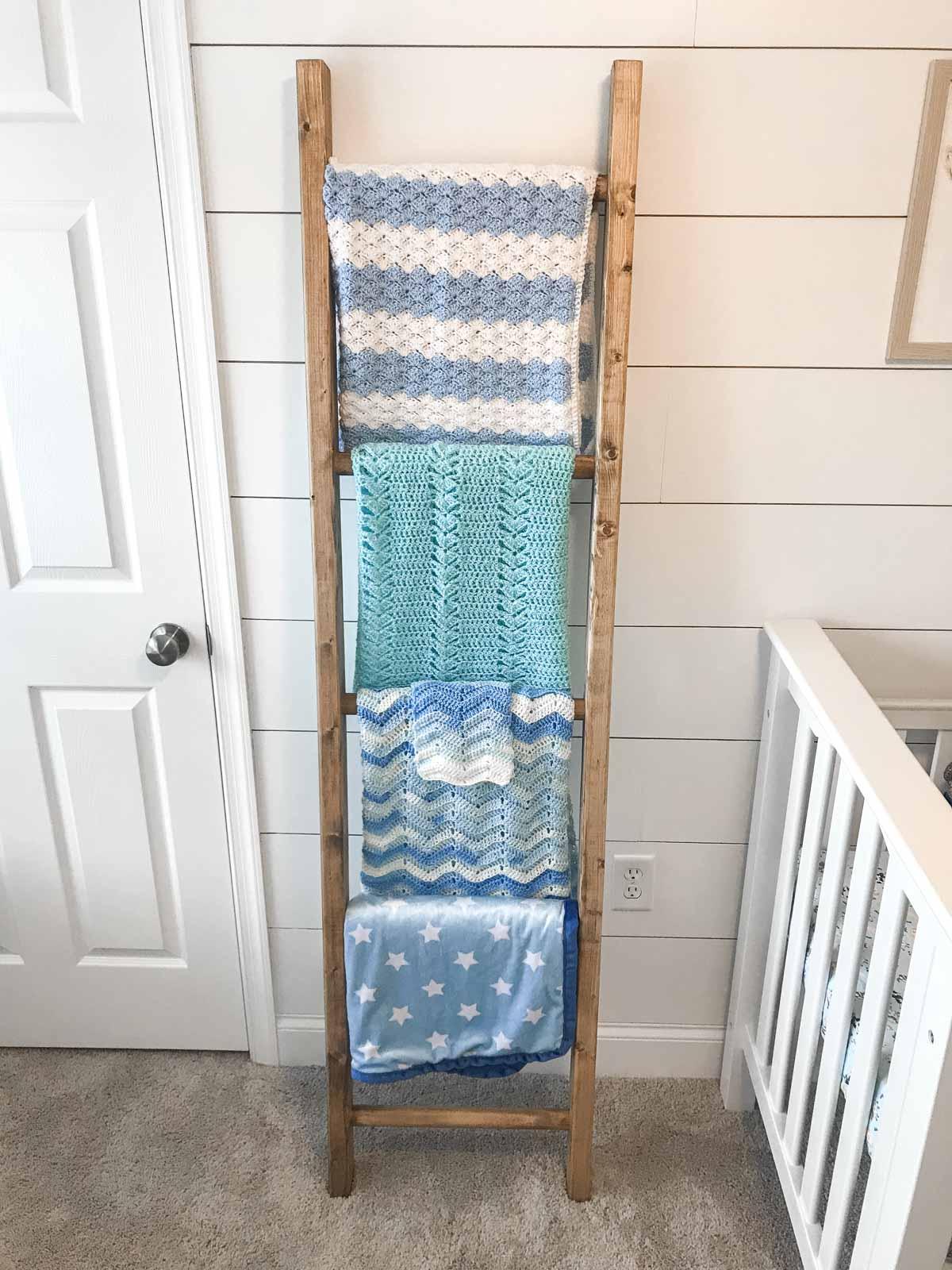 Diy Blanket Ladder Step By Step Instructions Chisel Fork